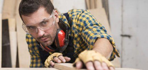 Operario de madera: carpintero