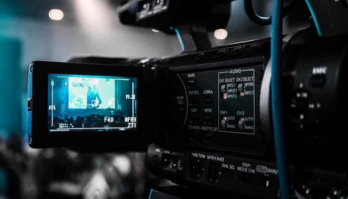 Cámara filmando en un rodaje