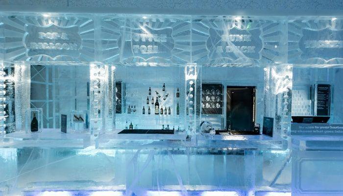 Bar del IceHotel de Suecia