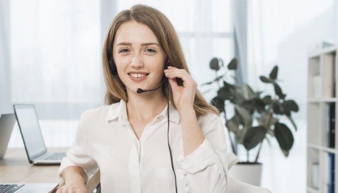 Teleoperador en un Call Center