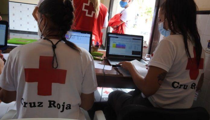 Trabajadores de Cruz Roja